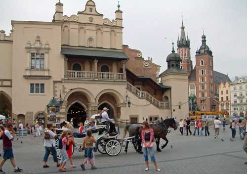 sukiennica krakow carriage